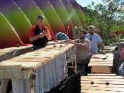 Carpinteros que se volvieron fabricantes de marimbas