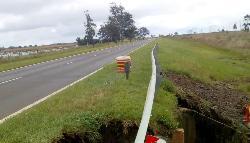 Corte total de tránsito por socavamiento de un puente por Ruta 12 cerca de Itatí