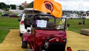 Muestra de autos antiguos en el Brete