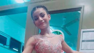 Tiene doce años, es bailarina y fue becada en Nueva York