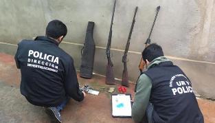 Vecinos denunciaron que los intimidaba con armas de fuego y la policía lo detuvo