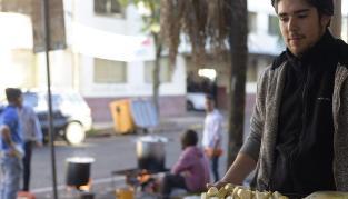 Locro, empanadas y pastelitos, platos típicos de este 25 de Mayo