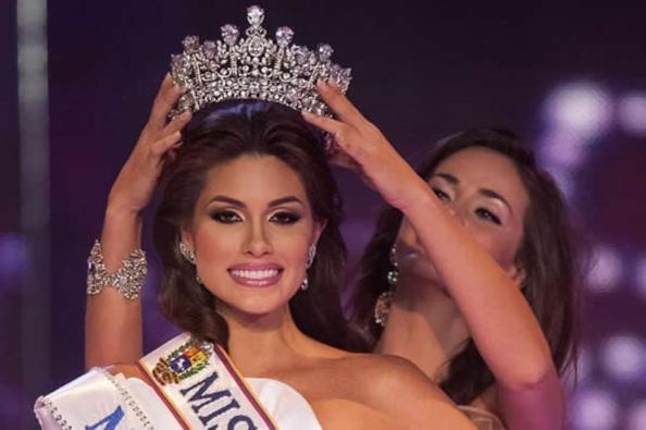 La corona del mundo.   pasó de miss estados unidos a miss venezuela