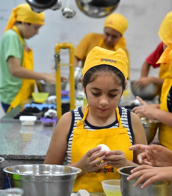 Aprender a cocinar como un chef otra pasi n infantil for Como aprender a cocinar